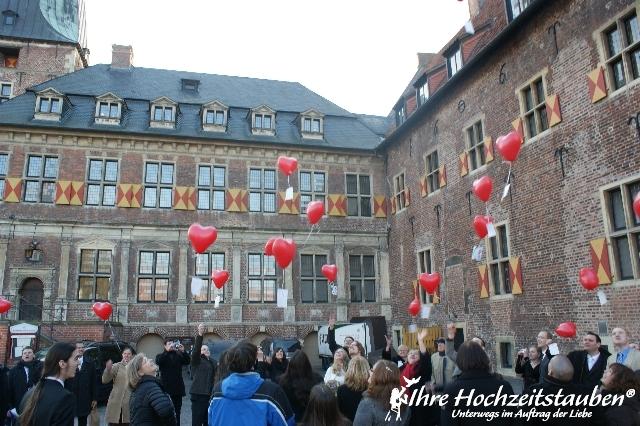 Herz-Ballons zur Hochzeit mit Karten