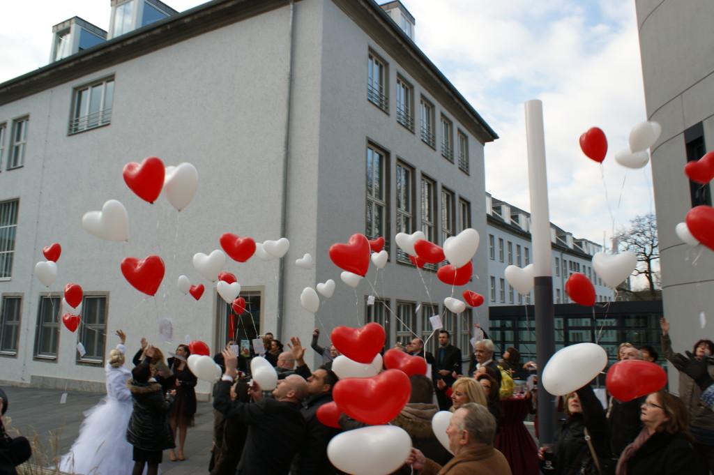 Ballons zur Hochzeit Standesamt Moers
