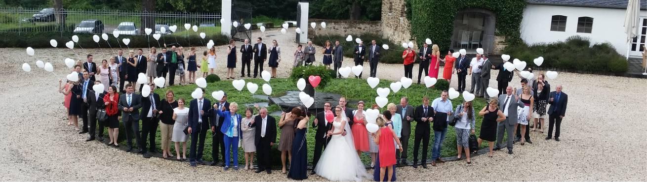 Ballons zur Hochzeit fliegen lassen