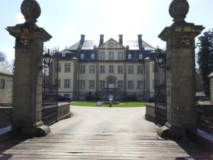 Weiße Tauben Schloss Körtlinghausen Rüthen -2 | ©Ihre Hochzeitstauben