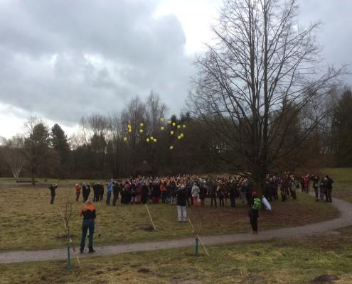 Ballons und Tauben in Bad Meinberg