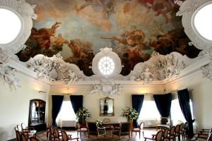 Das Trauzimmer des Schloss Bensberg besticht durch seine Wandmalerei