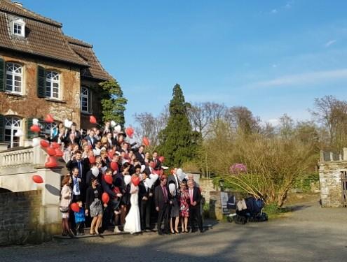 Ballons zur Hochzeit Schloss Linnep Ratingen -1