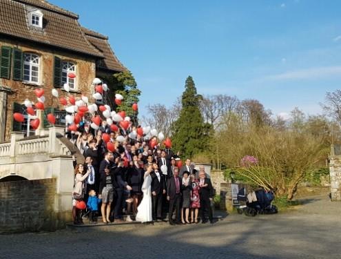 Ballons zur Hochzeit Ratingen Schloss Linnep-1